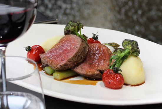 Albourne, UK : Steak at The Glass House Restaurant