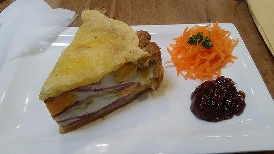 Darfield, New Zealand: 卵とベーコンのパイ