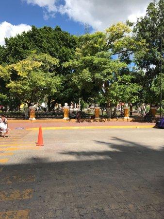 Plaza e Parque Francisco Canton: photo0.jpg