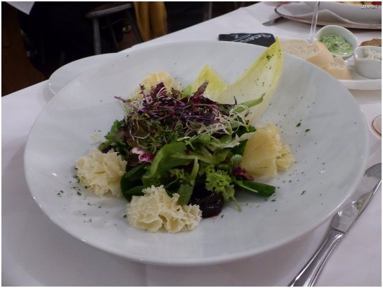 "salade et ""tête de moine"" Picture of Haus Caspari"