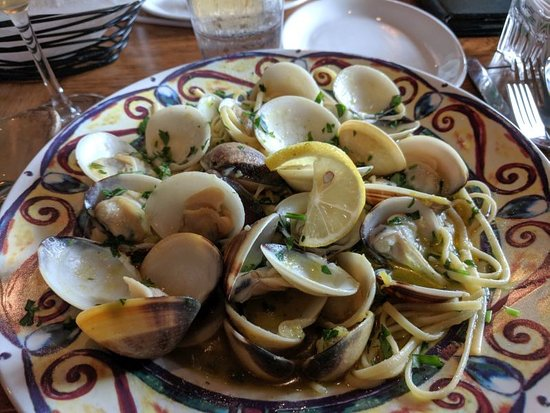 Brooksville, FL: Linguini w/clams and garlic butter sauce