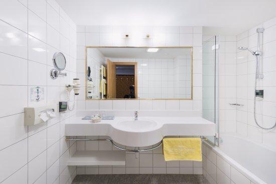 Zurs, Oostenrijk: Doppelzimmer Superior - Bad