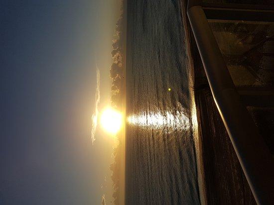 Marenas Beach Resort: 20171105_065147_large.jpg