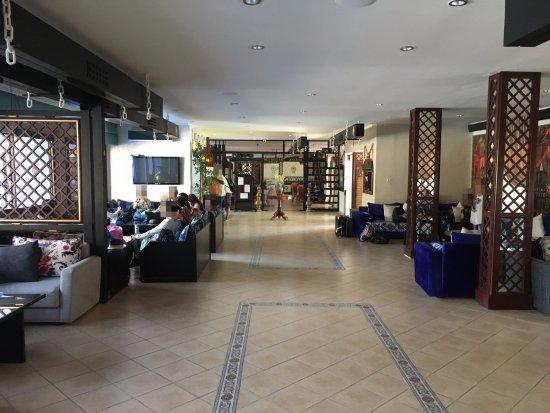 Potret Hotel Parador