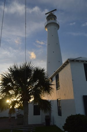 Sandys Parish, Bermuda: lighthouse at dusk