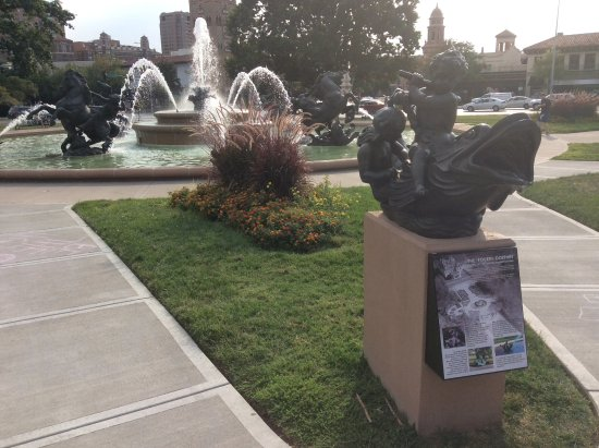 KC Fountains: One of the 250 fountains