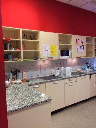 Wombat's City Hostel: Cozinha