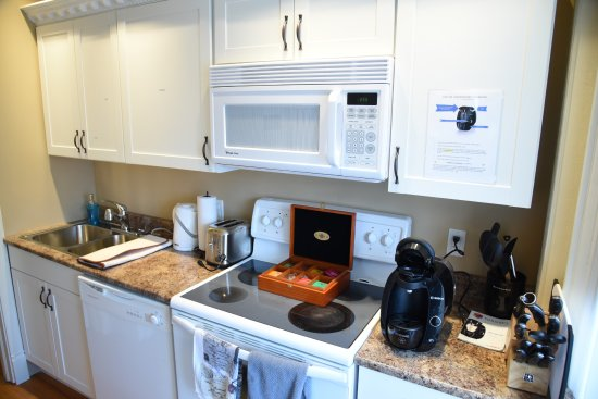 Brockville, Kanada: The Parlour Suite 100 studio apartment