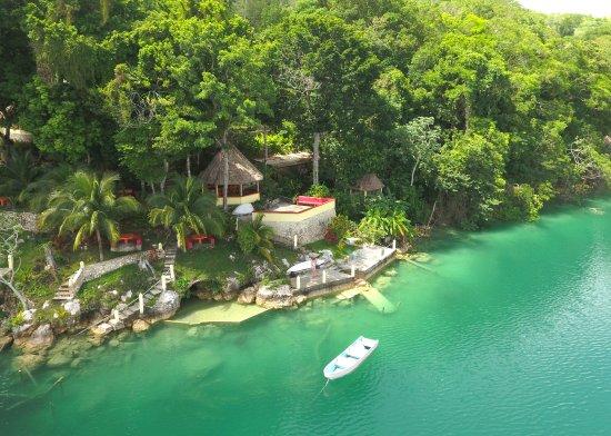 Gucumatz Lakeside Inn Photo