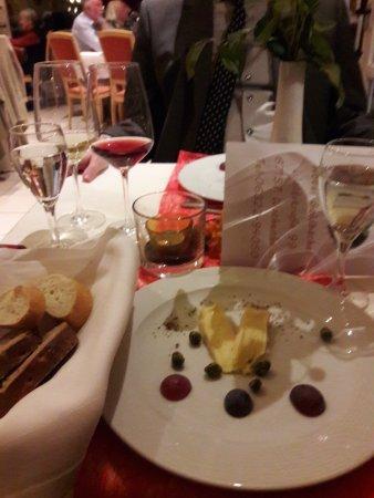 Goldbachel Restaurant & Cafe: Munsterkäse mit selbstgemachten Wasabinüssen