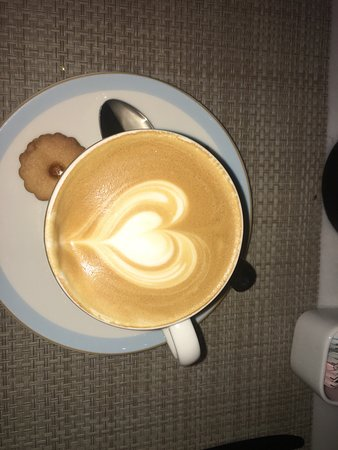 Lily's Cafe and Pastries: photo0.jpg