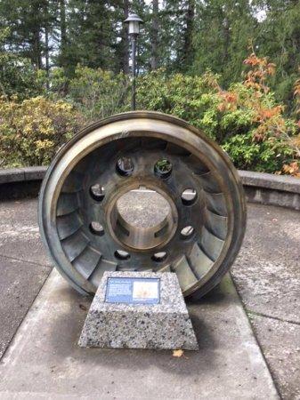 Snoqualmie, WA: old turbine exhibit