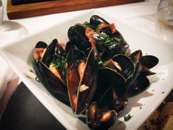 Burton Leonard, UK : Mussels