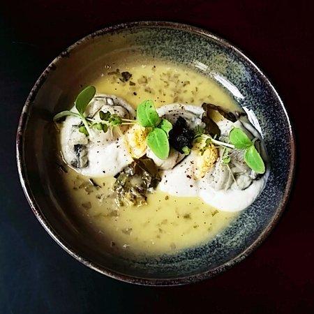Cellettes, ฝรั่งเศส: Huître/Choux fleur/citron caviar/ail noir