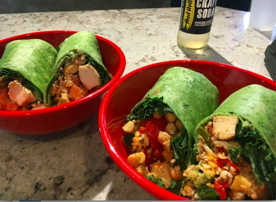 Petersburg, VA: Chicken or Tofu Wraps