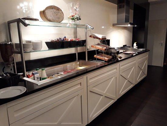 Delden, The Netherlands: Ontbijtbuffet