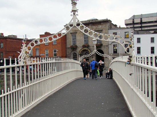 Puente Halfpenny Bridge: Ha'penny pedestrian bridge