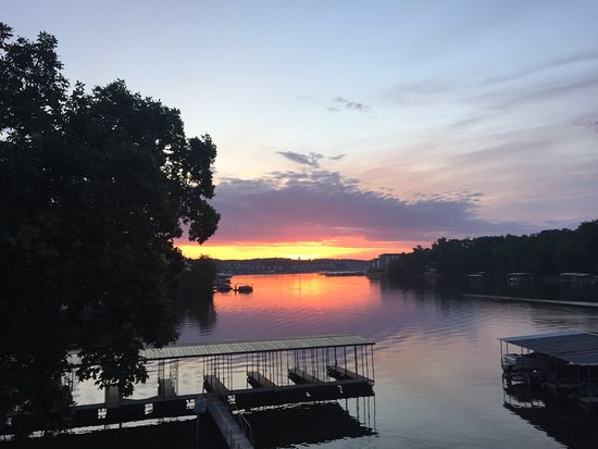 Lake Ozark, Μιζούρι: View from Cabin 17