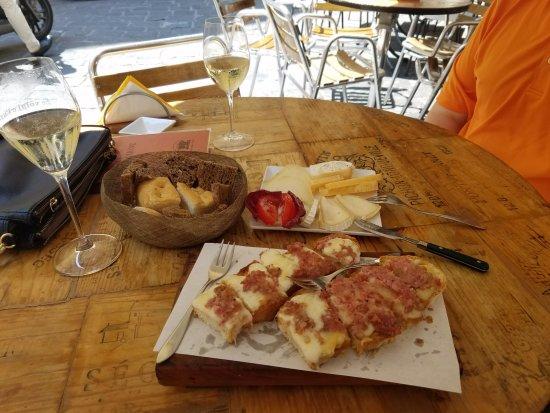 Le Volpi e L'Uva: Cheese Plate and Crostone