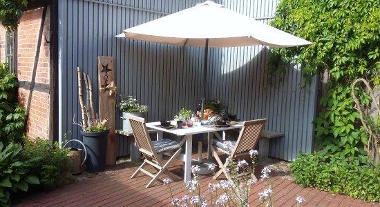 Rehna, เยอรมนี: Frühstück auf der Terrasse