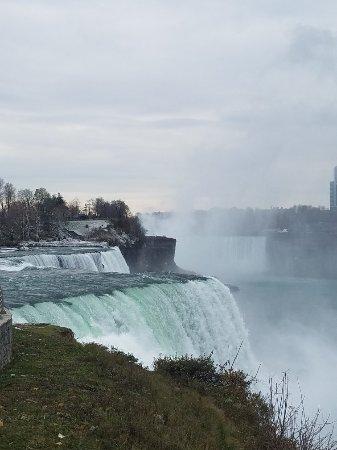 Hampton Inn Niagara Falls : 20171112_093021_large.jpg
