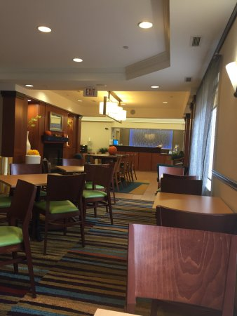 Fairfield Inn & Suites Dulles Airport Chantilly: photo0.jpg