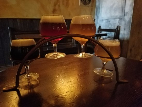Archea Brewery: Sampler of Beers