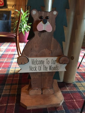 Sawmill Creek Resort: Welcome to our neck of the woods!