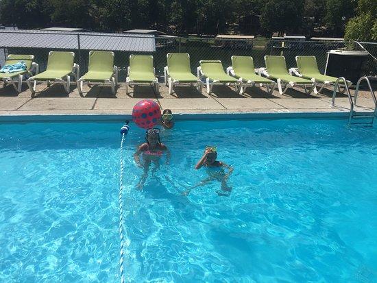Lake Ozark, MO: Heated Outdoor Pool