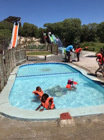 Strand, South Africa: Kiddies splash pool....immensely popular with the little ones