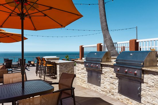 SeaCrest OceanFront Hotel: We have 3 BBQs available for your use!