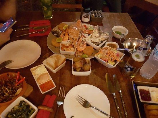 Barracuda Restaurant & Bar: 20171106_203309_large.jpg