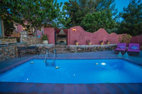 Limni Keri, Yunani: private pool of house nuber 3