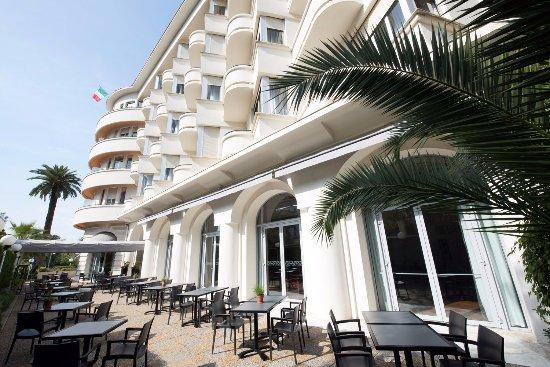 Hotel Le Grand Pavois: Hôtel Le Grand Pavois_terrasse ombragée
