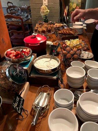 Henniker, Νιού Χάμσαϊρ: breakfast buffet