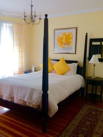 Newport Blues Inn: Deluxe room