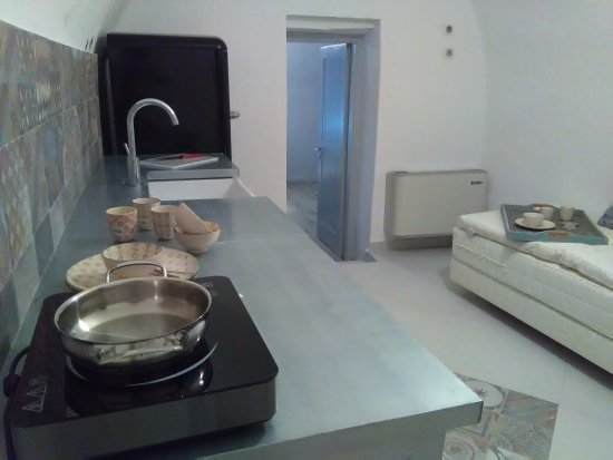 Avgonima, Hellas: Cottage Spitaki 4 kitchen & sitting room