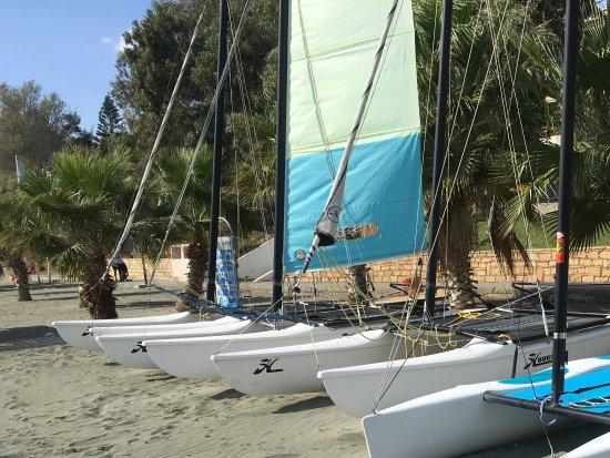 Mediterranean Beach Hotel: Watersports