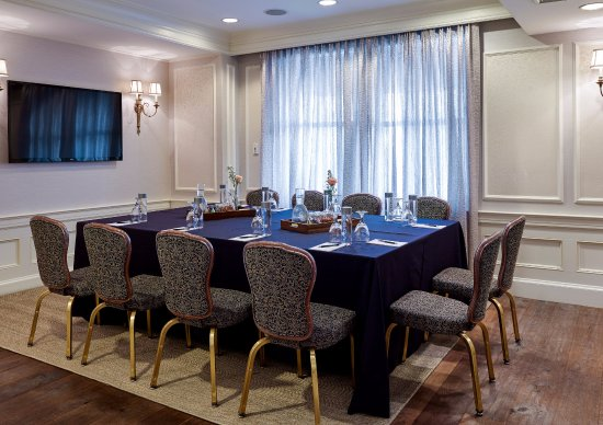Lenox Hotel: Back Bay Suite - Conference Style