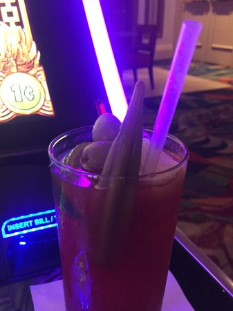Beau Rivage Resort & Casino Biloxi: Complimentary Bloody Mary was awesome!