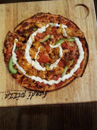 North Ryde, Australia: Tandoori Chicken Pizza - yummy
