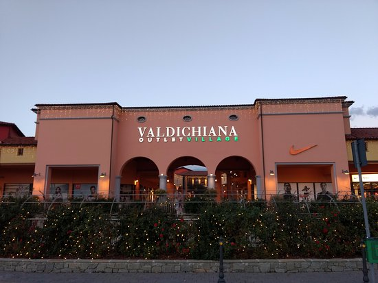Valdichiana Outlet VIllage - Picture of Valdichiana Outlet Village ...