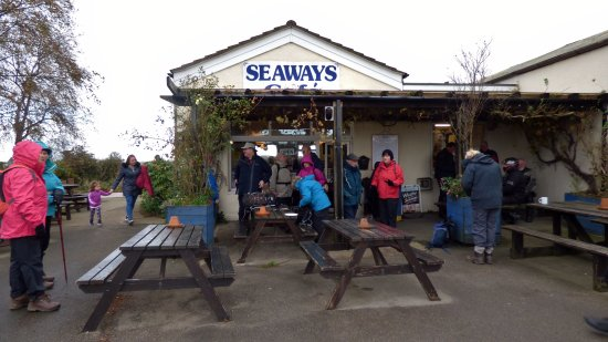 Fridaythorpe, UK: Fed and watered by the Seaways Cafe excellent staff, we prepare for our walk
