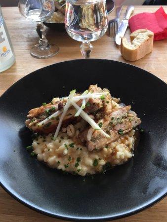 Cuers, France: Excellent risotto au poulet . Un pur délice