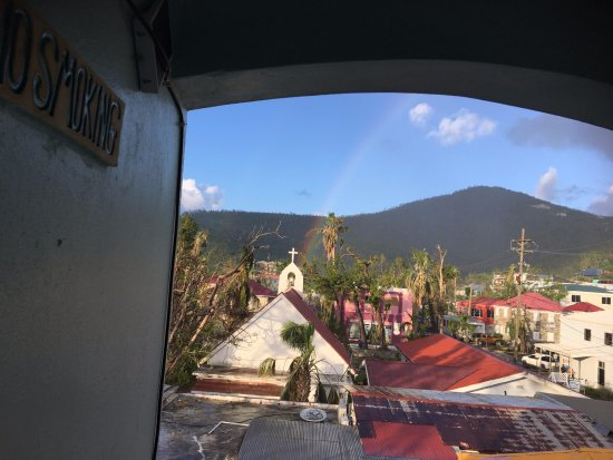 Cruz Bay Boutique Hotel: View from my entrance. This amazing rainbow after a light rain.