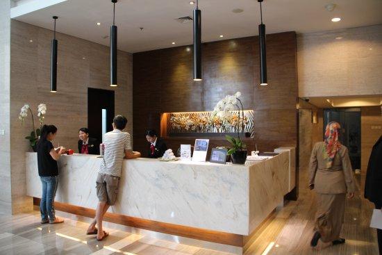 Receptie Van Het Hotel Picture Of Hotel Santika Premiere Hayam Wuruk Jakarta Tripadvisor