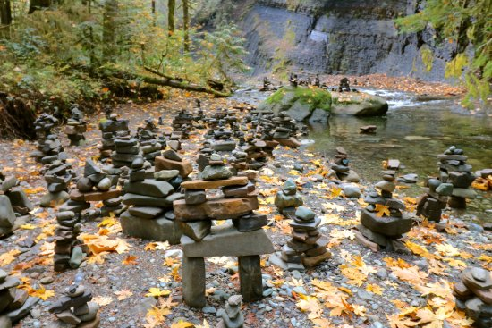 Port Alberni, Canada: Stacked Rocks