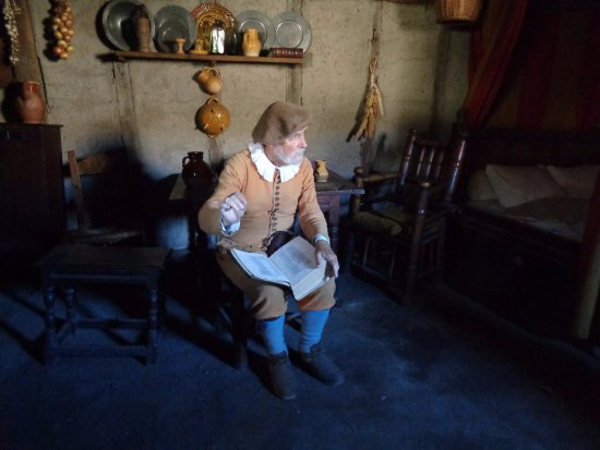 Plimoth Plantation: At the Standish house in Plimoth