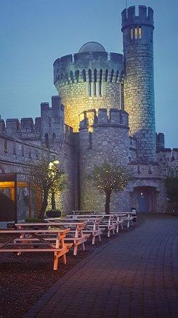 The Castle Cafe: 20171111_170254-01_large.jpg