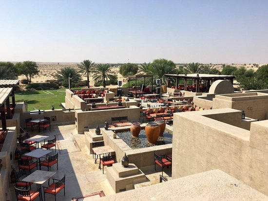 Bab Al Shams Desert Resort & Spa: View from Al Sarab Rooftop Lounge (Day time)